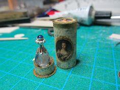 Nostalgie in 1zu12: Nostalgisch verpackter Parfumflakon