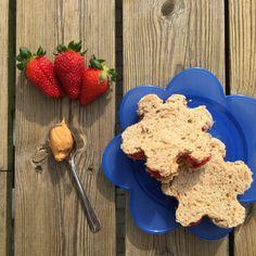 Peanøttsmør-sandwich - SunnStart Allergies, Jelly, Cereal, Sandwiches, Breakfast, Food, Morning Coffee, Marmalade, Meals