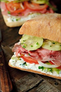 Sandwich - ricotta cheese mixed with fresh herbs, cucumbers, onions, and tomato add a new twist to pastrami. Sandwiches For Lunch, Soup And Sandwich, Wrap Sandwiches, Pastrami Sandwich, Cooking Recipes, Healthy Recipes, Ham Recipes, Best Sandwich, Lunch Snacks