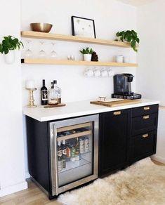 New Kitchen, Kitchen Decor, Mini Kitchen, Kitchen Bar Design, Kitchen Bars, Coffee Bar Home, Coffee Area, Coffe And Wine Bar, Coffee Bar Ideas