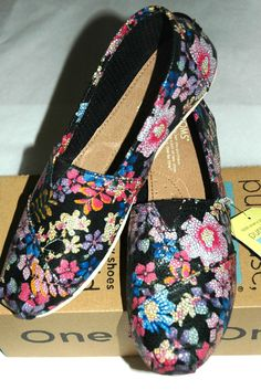 TOMS Women's Classic Black Floral Shoes Size 9.5 #TOMS #LoafersMoccasins #CasualFootwear