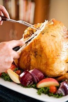 Esta es una receta francesa del Típico pavo de Navidad. En Francia también es típico comerla el día de Navidad.  En algunos lugares, como Canadá o EEUU el pavo relleno también se prepara en Acción de Gracias o Thanksgiving Day.