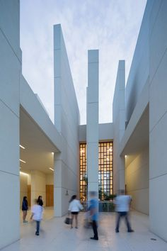 100 Walls Church / CAZA