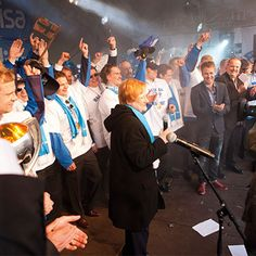 Finland to win again in 2011 World Ice Hockey Championship gold. President Halonen to lend a captain Mikko birch wrought iron key to the ticket.