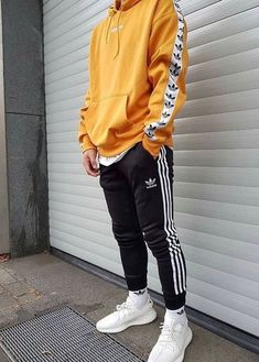 Top Useful Ideas: Urban Fashion Summer Bathing Suits urban fashion wardrobes.Urban Fashion Streetwear Crop Tops urban fashion plus size fit. Mode Outfits, Urban Outfits, Urban Dresses, Mode Masculine, Looks Adidas, October Outfits, Hypebeast Outfit, October Fashion, Mode Man