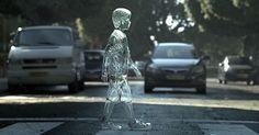 Um menino de vidro para alertar sobre os perigos da velocidade no trânsito