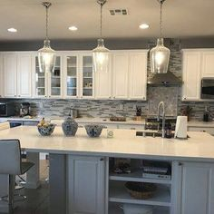 Small Kitchen Makeover This is a stylish pendant to perfectly adorn any space. Farmhouse Kitchen Cabinets, Kitchen Cabinet Design, Modern Kitchen Design, Interior Design Kitchen, Kitchen Countertops, Kitchen Designs, Grey Countertops, Kitchen Backsplash, Home Decor Kitchen