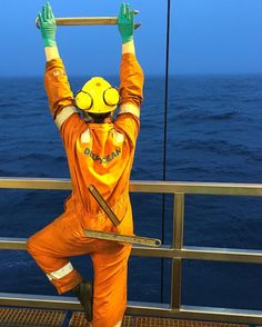 #scottland #kraken field #offshore #wish #you #all #a #fantastic #morning #started 03:40 sharp this morning Deepocean spanner yoga  #night #shift #exploringglobe #landscapeofnorway #nrkvestfold #nortrip #dreamchasersnorway #offshorelife #northseagigant #vessel by siv_lea