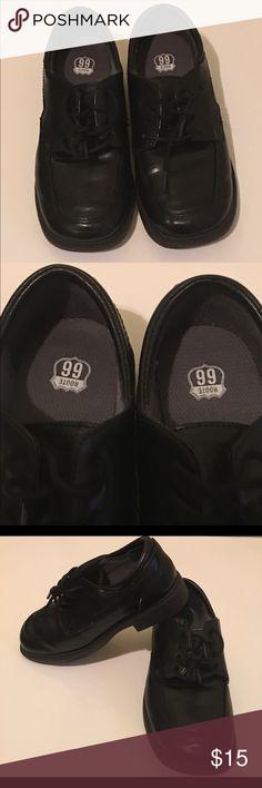 Boy Route 66 Black Dress Shoes Boy Route 66 Black Dress Shoes Size 1 Pre-owned Signs of wear Has peel fabric on side of shoe Route 66 Shoes Dress Shoes