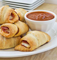 Pepperoni Pizza Crescent Rolls are fast, easy, and delicious. Add a little pizza to your life with only 5 ingredients and 15 minutes!