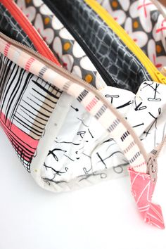 Sew Together Bag // SewCaroline.com