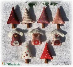 Karácsonyfa díszek filcből - Fenyőfák és házikók (eszterszemek) - Meska.hu My Works, Sugar, Christmas Ornaments, Holiday Decor, Home Decor, Xmas Ornaments, Decoration Home, Christmas Jewelry, Christmas Ornament