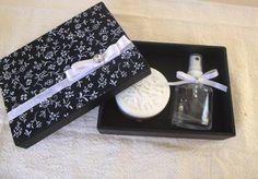 Caixa para Casamento:aromatizador spray +sabonete artesanal Rendado.