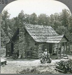 Tennessee ~ CUMBERLAND GAP MOUNTAINEERS LOG CABIN HOME