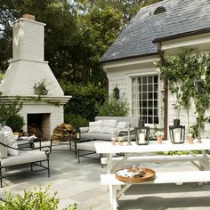 Outdoor fireplace, Painted Brick Design, Pictures, Remodel, Decor and Ideas - page 14 PATIO Design Patio, Design Exterior, Brick Design, Exterior Paint, Garden Design, Outdoor Rooms, Outdoor Living, Outdoor Patios, Rustic Canyon
