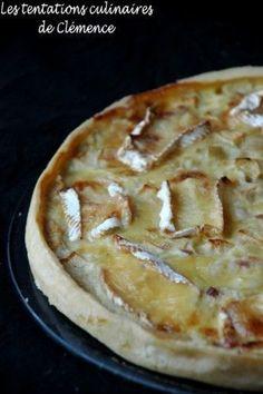 Tarte aux oignons, pommes, lardons et au camembert et la page Facebook de mon blog