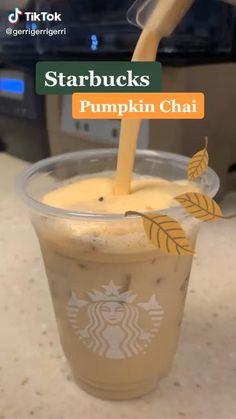 Starbucks Halloween Drinks, Non Coffee Starbucks Drinks, Dairy Free Starbucks Drinks, Low Calorie Starbucks Drinks, Bebidas Do Starbucks, Starbucks Secret Menu Drinks, Starbucks Recipes, Coffee Recipes, Halloween Bebes