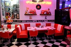 If you're recreating a retro kitchen, use old school diners as inspiration. Chrome accents, checkered floors, and kitschy wall decor all make retro kitchens so special. 1950 Diner, Vintage Diner, Retro Diner, Deco Restaurant, Restaurant Design, Big Five For Life, American Retro, Diner Aesthetic, Rhode Island