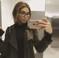 Find images and videos about beauty, perfect and iphone on We Heart It - the app to get lost in what you love. Chantel Jefferies, Casual Outfits, Cute Outfits, Blazer Fashion, Fashion Hats, Fashion Accessories, Women's Fashion, How To Pose, Fashion Quotes
