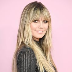 heidi klum haare Heidi Klum Long Straight Cut with Bangs - Heidi Klum sported a long straight cut with eye-grazing bangs at the 2019 CFDA Fashion Awards. Wavy Bob Hairstyles, Hairstyles For Round Faces, Summer Hairstyles, Bangs Hairstyle, Hairstyle Ideas, Hair Ideas, Blonde Hair With Bangs, Brown Hair With Blonde Highlights, Heidi Klum Hair