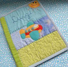 Porta carteirinha de vacinas Luigi - Brincadeiras de criança by Maria Sica, via Flickr