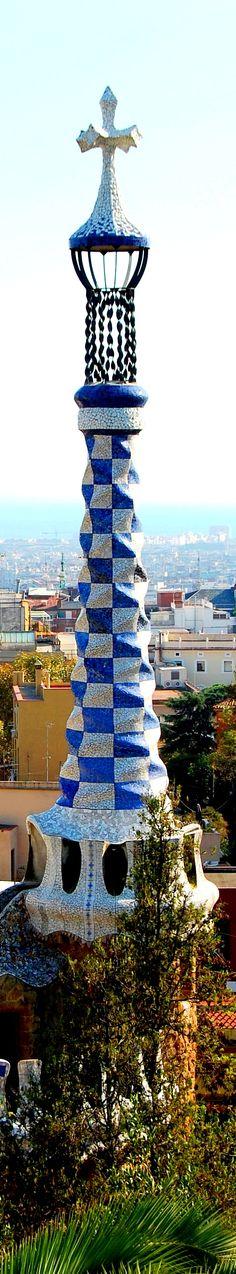 Torre en el Park Güell, Barcelona, España #Gaudí