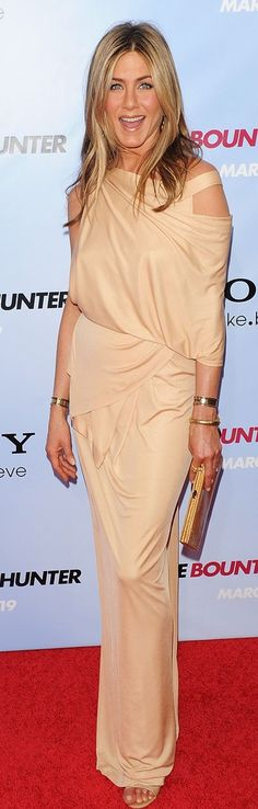 Who made Jennifer Aniston's nude dress, jewelry and shoes that she wore at the premiere of her new movie, The Bounty Hunter, at New York City's Ziegfeld Theatre?