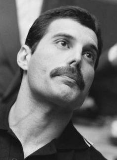 What an extraordinary talent. John Deacon, Roger Taylor, Queen Band, Queen Queen, We Will Rock You, Queen Freddie Mercury, Killer Queen, Save The Queen, Film Serie
