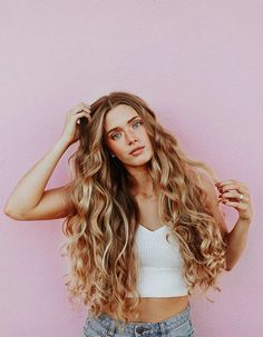 Beauty is all about healthy skin and hair. Each country has difference hair type that gives special look to the women. Countries with most beautiful hairs: Styling Gel, Dating Tips For Women, Dating Advice, Date Outfits, Hair Type, Hair Goals, Mascara, Your Hair, Curly Hair Styles