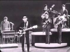 ROY ORBISON    Running Scared  (1961)  official video (+playlist)