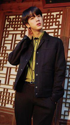 Read suga wallpapers from the story втs ωαℓℓραρєяs ? Bts Jin, Bts Bangtan Boy, Seokjin, Namjin, Bts Wallpapers, Wallpaper Lockscreen, Worldwide Handsome, Billboard Music Awards, Foto Bts