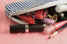 Basic Makeup Items that Every Makeup Bag Must Have Makeup Bag Essentials, Beauty Essentials, Beauty Hacks, Beauty Tips, Basic Makeup Items, Makeup Brands, Makeup Tips, Makeup Ideas, Drugstore Makeup
