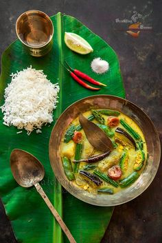 Shukto, A Traditional Bengali Vegetable Stew Veg Recipes Of India, Indian Food Recipes, Asian Recipes, Vegetarian Recipes, Ethnic Recipes, Bangladeshi Food, Bengali Food, Vegetable Medley, Vegetable Stew