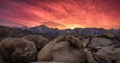 Sunset Over Mt. Whitney and Mobius Arch in the Alabama Hills CA [OC] landscape Nature Photos Some Beautiful Pictures, World Photo, Nature Photos, Bouldering, Beautiful World, Arch, Mountains, Sunset, Places