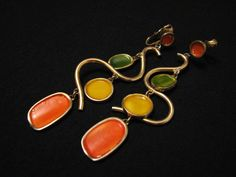 HUGE Vintage Gold Tone Orange, Yellow and Green Enameled Squiggle Dangle Clip Earrings. $24.00, via Etsy. Earrings Handmade, Handmade Jewelry, Unique Jewelry, Handmade Gifts, Clip On Earrings, Gold Earrings, Drop Earrings, Orange Yellow, Etsy Vintage