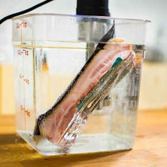 EC: Sous Vide Bacon Is Crispy and Tender at the Same Time Bulk Cooking, Sous Vide Cooking, Cooking Gadgets, Cooking Recipes, Cooking Kale, Bacon Recipes, Low Carb Recipes, Instant Pot Sous Vide, Joule Sous Vide