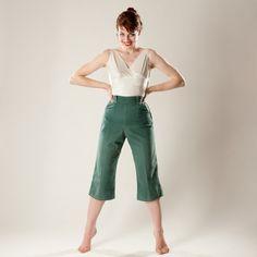 Vintage 1950s Green Sailcloth Pants $58.00 #vintage #green #pants #1950s #springfashions