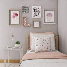 Luxury Rooms: Inspirations & Awesome Photos - Home Fashion Trend Bedroom Decor For Teen Girls, Small Room Bedroom, Bedroom Themes, Trendy Bedroom, Bedroom Ideas, Small Rooms, Small Spaces, Decoration Bedroom, Wall Decor