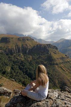 South Africa, KwaZulu Natal, Central uKahlamba Drakensberg mountain range. South Afrika, Kwazulu Natal, Future Goals, Future Travel, Mountain Range, Beautiful Places To Visit, Africa Travel, Travel Ideas, Followers