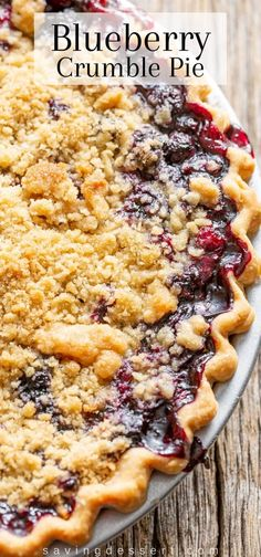 Blueberry Crumble Pie - made with fresh, sweet blueberries topped with a crispy crumble baked in a wonderful summer pie. #blueberrycrumblepie #blueberrypie #pie #summerpie #blueberries #blueberry #homemadepie #piepastry #piecrust #crumbletoppie #blueberryrecipe #piepastry Blueberry Crumble Pie, Blueberry Pie Recipes, Blueberry Topping, Vegan Blueberry, Frozen Blueberry Muffins, Homemade Blueberry Pie, Blueberry Chocolate, Blueberry Desserts, Frozen Blueberries