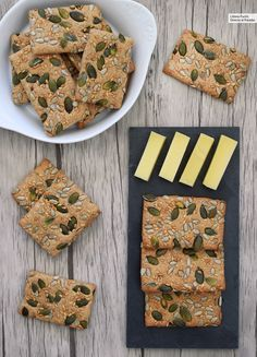 How to make healthy and satisfying spelled crackers Salty Foods, Salty Snacks, Baby Food Recipes, Dessert Recipes, Cooking Recipes, Healthy Low Carb Recipes, Vegetarian Recipes, Aperitivos Finger Food, Cracker