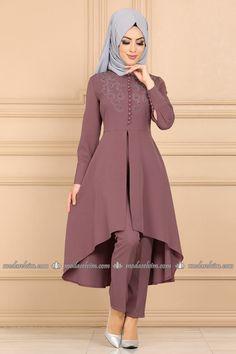 moda selvim Önden Yırtmaçlı İncili Takım 9340W153 Gül Kurusu Pakistani Bridal Wear, Pakistani Dress Design, Pakistani Dresses, Islamic Fashion, Muslim Fashion, Niqab Fashion, Fashion Dresses, Sharara Designs, Muslim Dress
