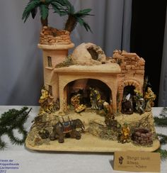 Click to Close Christmas Crib Ideas, Christmas Themes, 2 Kind, Polymer Clay Projects, Seasonal Decor, Sculpture Art, Nativity, Paper Jewelry, Xmas