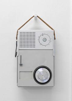 TP portable transistor radio and phonograph Designer: Dieter Rams, Designer at Braun and HfG Ulm. Courtesy Braun P amp;G/Braun Collection, Kronberg. Photo by Marcus J. Vintage Design, Retro Design, Icon Design, Radios, Clean Design, Minimal Design, Bauhaus, Dieter Rams Design, Braun Dieter Rams