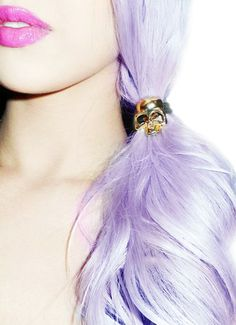 Punk Glam - Skull barrette, pink lips and hair Pastel Hair, Purple Hair, Pastel Goth, Pastel Blonde, Pastel Purple, Lavender Hair, Lavender Fields, Coloured Hair, Dye My Hair