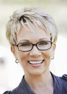 31 new fresh short blonde hair ideas for 2020 pixie haircuts for women 53 Over 60 Hairstyles, Haircuts For Fine Hair, Short Pixie Haircuts, Girl Haircuts, Short Hairstyles For Women, Wig Hairstyles, Haircut Short, 1940s Hairstyles, Glasses Hairstyles