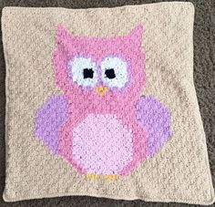 I think I have said it a dozen times, but Repeat Crafter Me has to be one of my favorite crochet bloggers. She is so talented and so easy to follow. She had been working on a pattern for Lion Brand for a while, and I loved following her progress on instagram. I was decided that there was no way I could ever do it…a corner to corner blanket just seemed to hard. The stitches looked strange (and my goodness are they simple!) and the entire thing just seemed way too hard for me to take on.