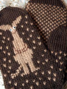 Bilderesultat for moomin knitting pattern Mittens Pattern, Knit Mittens, Knitted Gloves, Knitting Socks, Baby Knitting, Knitting Charts, Knitting Patterns, Crochet Patterns, Knit Pillow