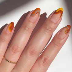 Nail Design Stiletto, Nail Design Glitter, Glitter Gel, Blue Glitter, Aycrlic Nails, Oval Nails, Oval Nail Art, Nail Nail, Nail Polishes