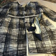 Womans long coat Beautiful and elegant!!! Womans coat white and navy blue lines on all directions GALLERY  Jackets & Coats